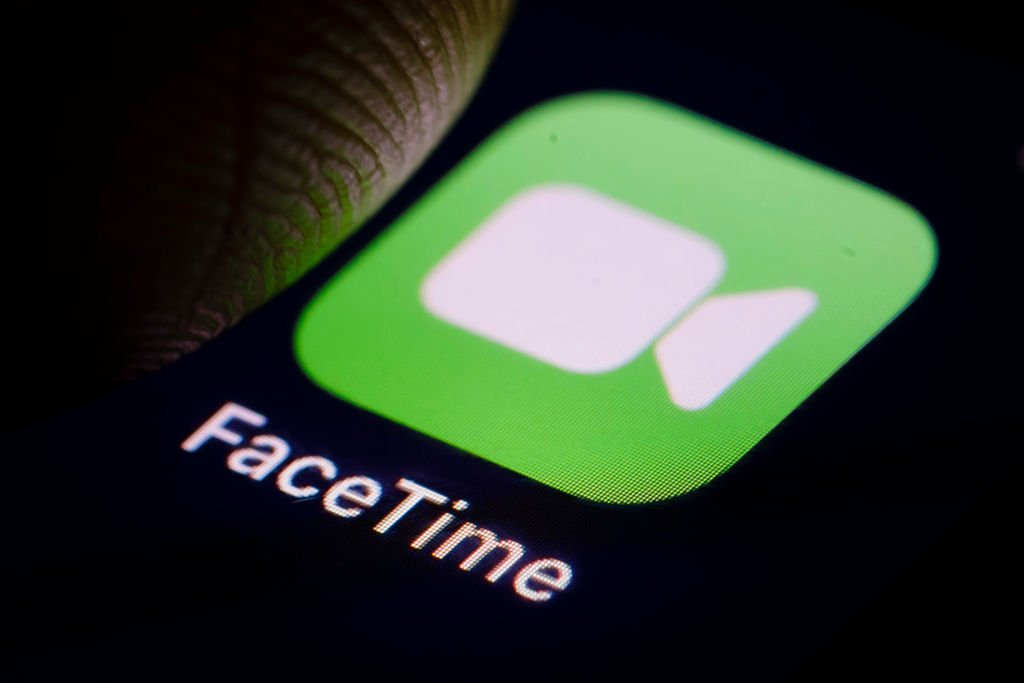 Learn how to plan calls in FaceTime