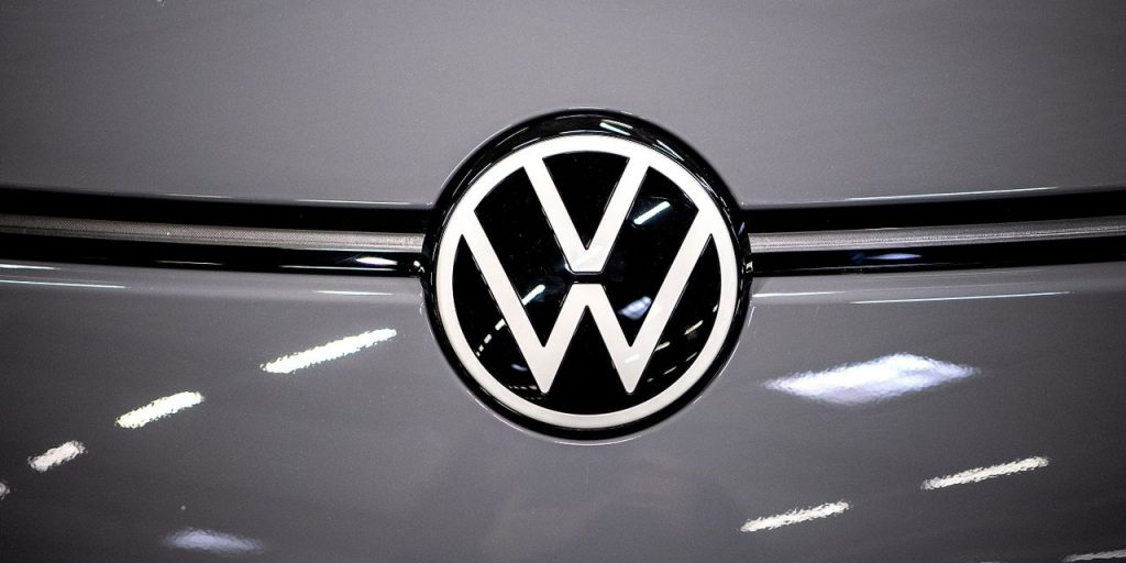 Cancels manual transmission on Volkswagen Passat and Tiguan