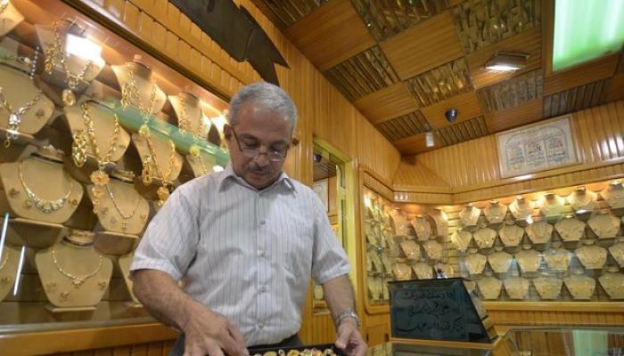 متجر لبيع الذهب - أرشيف