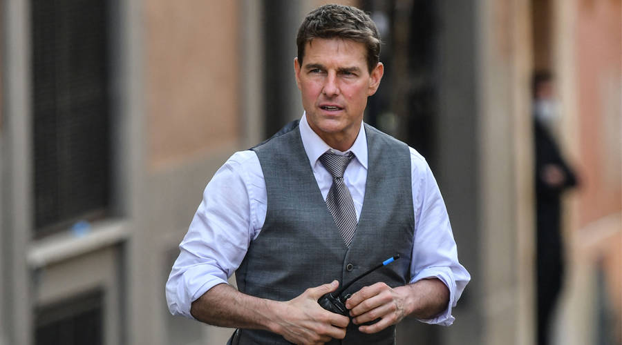 """In the form of his """"Mission Impossible"""" films .. Tom Cruise is robbed in Britain"""