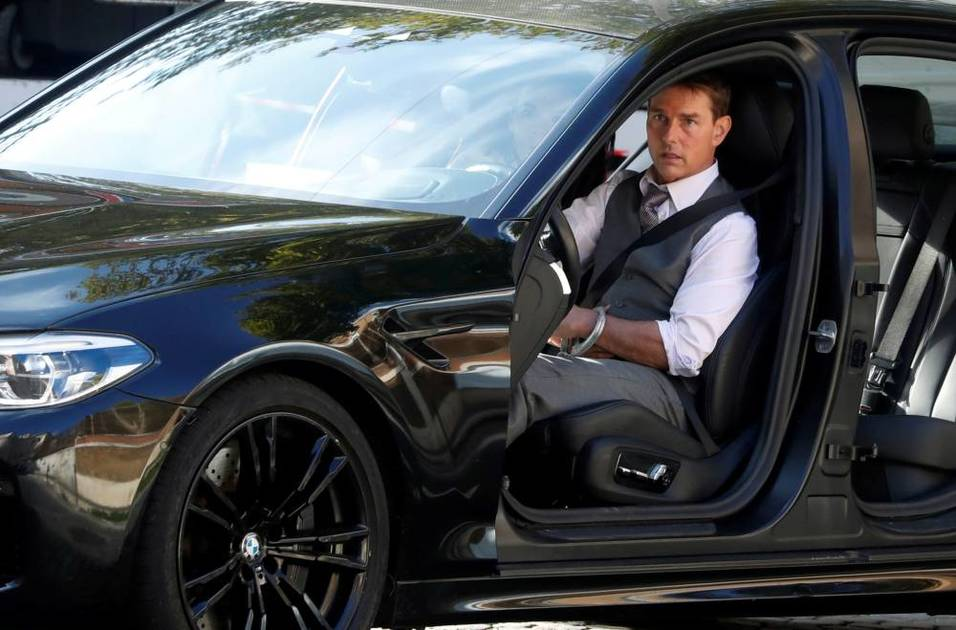Tom Cruise's bags were stolen in 'Mission Impossible' style