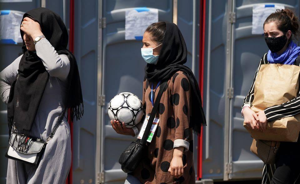 Afghanistan women's football team arrives in Pakistan