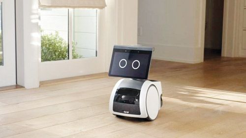 """Gulf News    Amazon introduces a """"science fiction"""" robot that can browse at home"""