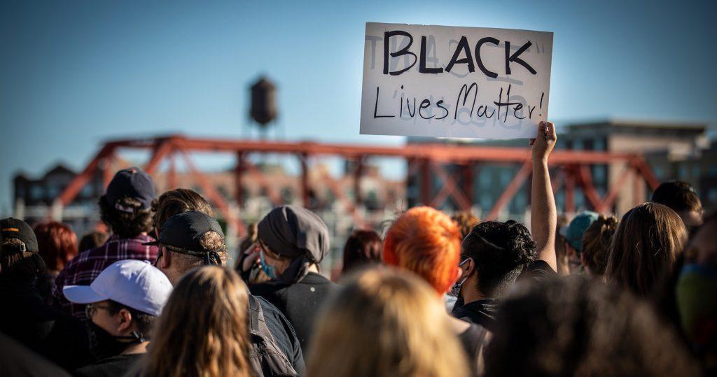 Racial discrimination cost the United States $ 2,300 billion
