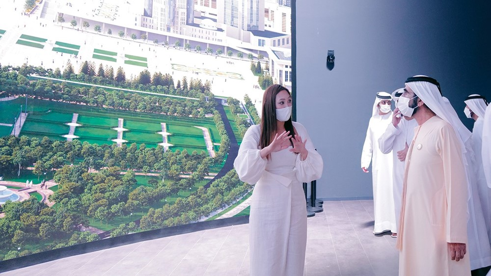 Mohammed bin Rashid asks for an explanation of the advanced technologies included in the pavilion