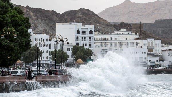 Shaheen hurricane .. Oman warning number 3 and heavy rain in Muscat