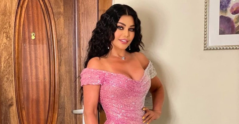 Haifa Wehbe enjoys her holiday in Dubai with a shower cap - in pictures